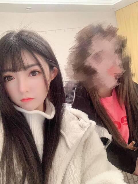 深圳外围模特兼职上下粉嫩多汁1