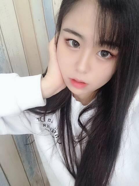 深圳外围萝莉兼职童颜巨乳乖巧可爱粉红3