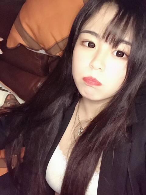 深圳外围萝莉兼职童颜巨乳乖巧可爱粉红4