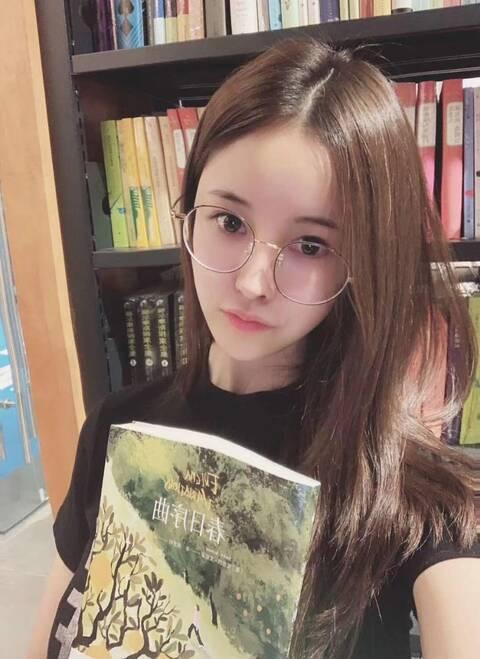 深圳外围萝莉兼职清纯自然听话温柔川妹子1