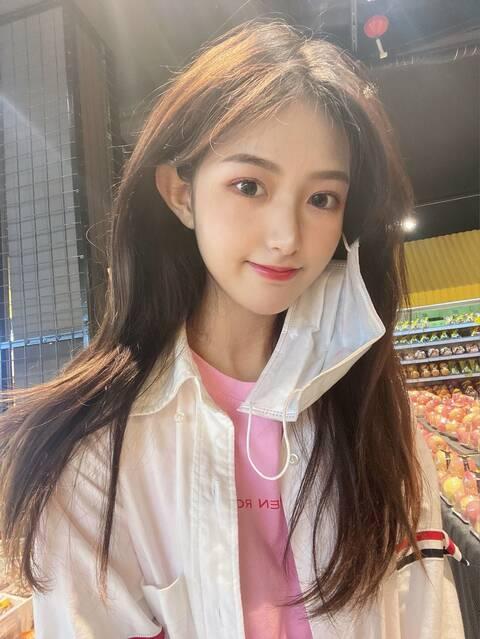 深圳外围学生妹兼职气质身材好乖巧听话4